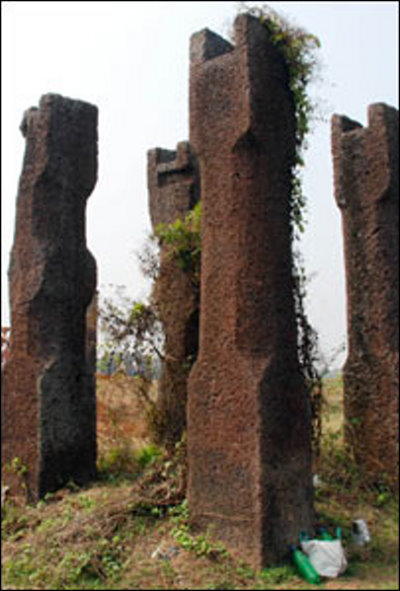 Ancient Stone Pillars : Ancient city discovered in india sisupalgarh near