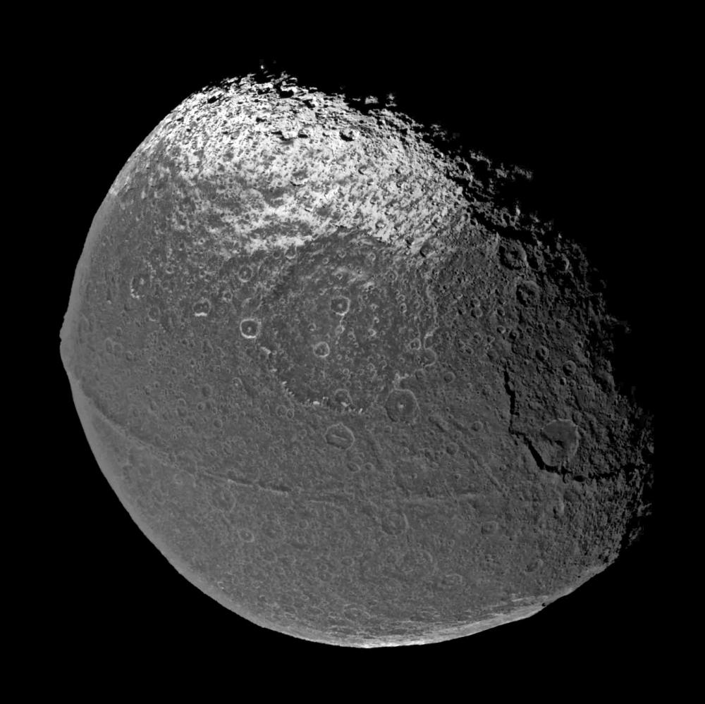 iapetus moon - photo #4