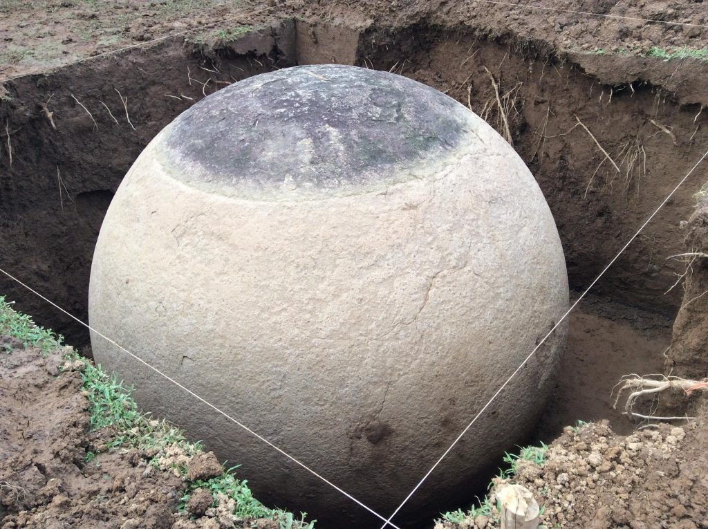 giant stone balls costa rica 003. Black Bedroom Furniture Sets. Home Design Ideas