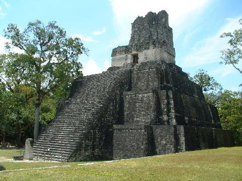 nts/04images/Pyramid/Tikal_Guatemala_02.jpg
